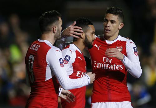 Arsenal thắng đội nghiệp dư, vào tứ kết Cup FA