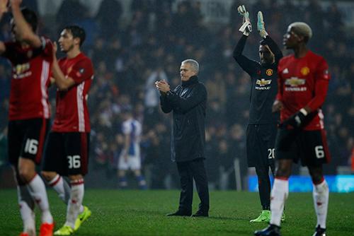 Mourinho mỉa mai Man City