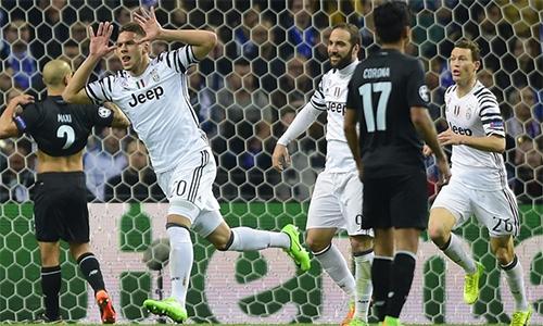 Juventus thắng trên sân Porto, mở toang cửa vào tứ kết