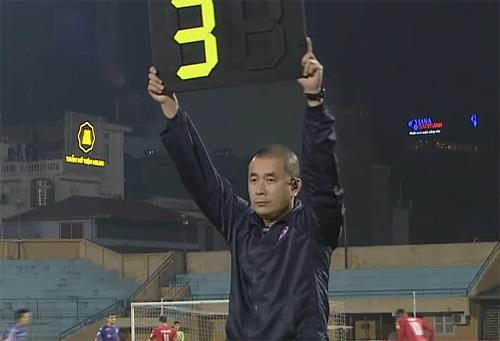 Trọng tài từng khiến Long An phản ứng vẫn làm nhiệm vụ ở V-League