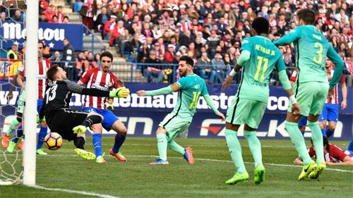 Messi ghi bàn phút cuối, Barca thắng tại sào huyệt của Atletico