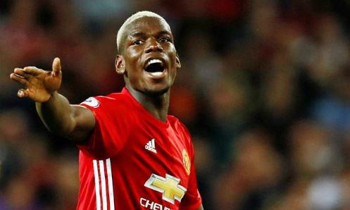 Pogba bị tấn công vì từ chối ký tặng fan Man Utd