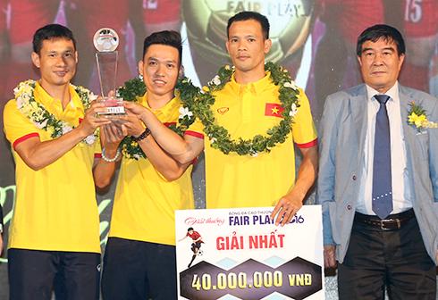 Tuyển futsal Việt Nam đoạt giải thưởng Fair Play 2016