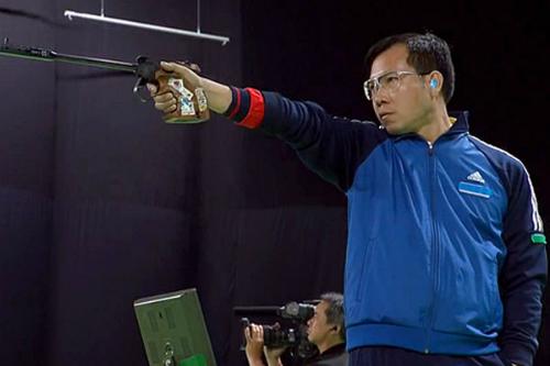 Hoàng Xuân Vinh tuột vé dự chung kết 50m súng ngắn bắn chậm