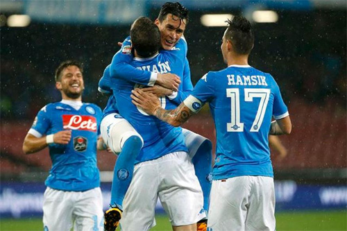 roma-napoli-derby-mat-troi-trong-be-kho-1