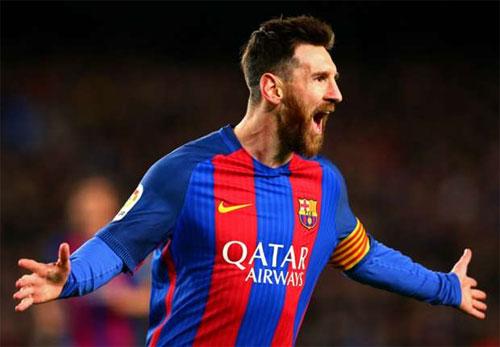Messi ghi bàn solo từ giữa sân, Barca tái chiếm vị trí dẫn đầu
