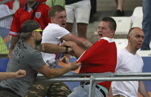 Chính trị gia Nga muốn hợp pháp hóa hooligan thành môn thể thao