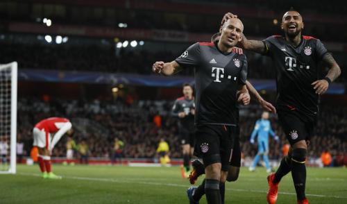 Arsenal thảm bại sân nhà, Bayern đi tiếp với tổng tỷ số 10-2