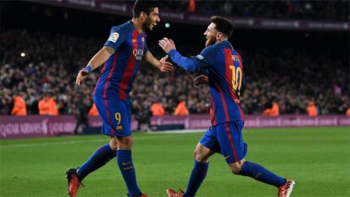 Messi và Suarez đùa cợt về chuyện đi vệ sinh