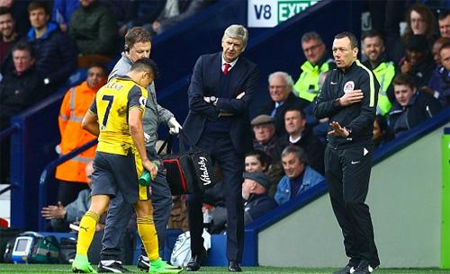 """Alan Shearer: """"Chỉ còn Sanchez thi đấu vì Wenger"""""""
