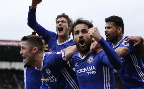 Chelsea đánh bại Stoke, vững ngôi đầu với khoảng cách 13 điểm