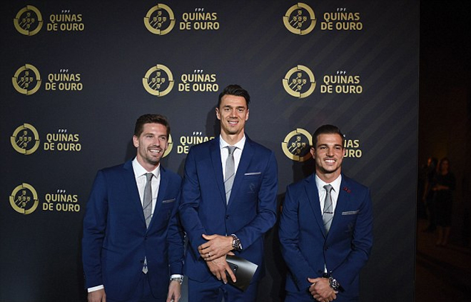 Ronaldo giành giải Cầu thủ hay nhất Bồ Đào Nha