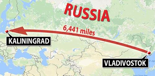 Đội bóng bay nửa vòng trái đất để thi đấu ở Nga - ảnh 1