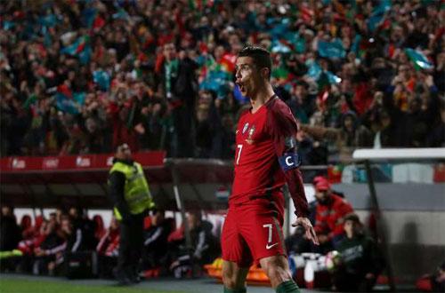 Ronaldo ghi cú đúp, Bồ Đào Nha thắng trận thứ tư liên tiếp ở vòng loại World Cup