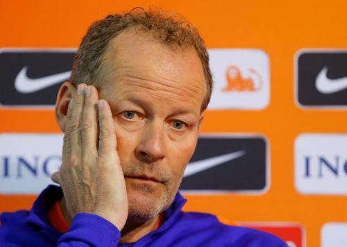 Hà Lan sa thải HLV Danny Blind