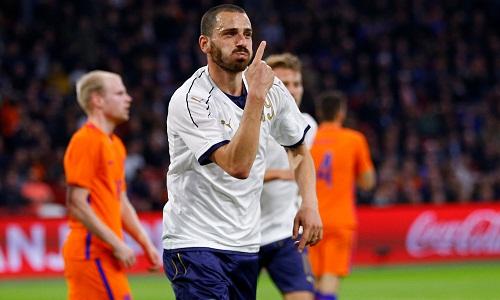 Hà Lan thua Italy sau khi sa thải HLV
