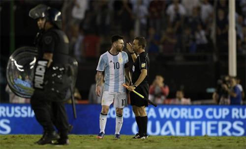 """Án phạt dành cho Messi """"quá nặng và có thể trái luật"""""""