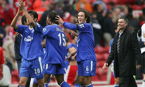 Chelsea thách thức sự thống trị của Man Utd trên quy mô toàn cầu