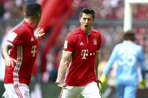 Lewandowski lập hat-trick, Bayern giành chiến thắng sáu sao