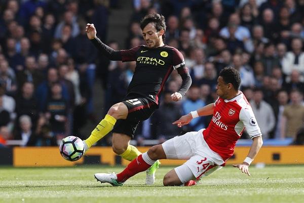 Arsenal hòa Man City sau màn rượt đuổi tỷ số