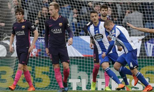 """Capello: """"Barca không biết phòng ngự"""""""
