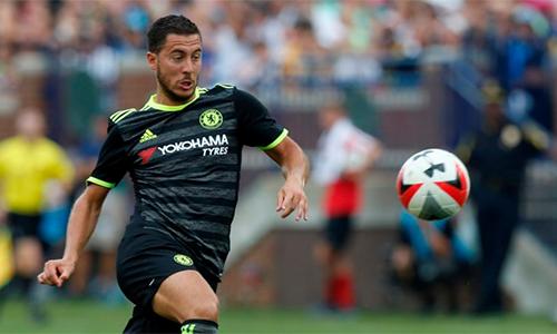"""Hazard: """"Hãy đối xử với quả bóng như với phụ nữ"""""""