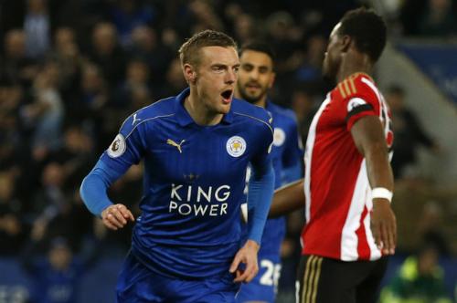 Vardy tiếp tục ghi bàn, Leicester thắng sáu trận liên tiếp