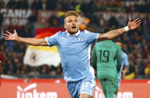 Lazio vượt qua Roma vào chung kết Coppa Italy
