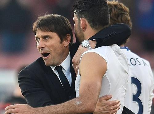 Chelsea tái lập khoảng cách bảy điểm với Tottenham