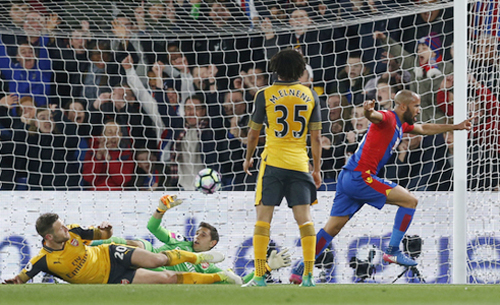 thua-crystal-palace-arsenal-xa-dan-ve-du-champions-league