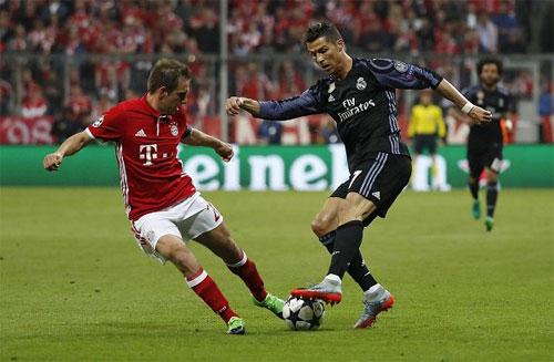 Ronaldo là cầu thủ đầu tiên ghi 100 bàn tại Cup châu Âu