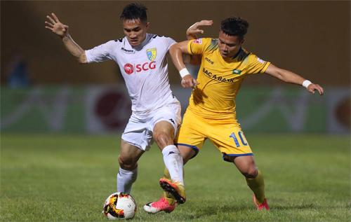 Hà Nội FC hạ SLNA bằng pha làm bàn phút 95
