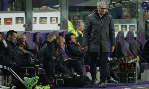 Mourinho chê hàng công của Man Utd nhu nhược
