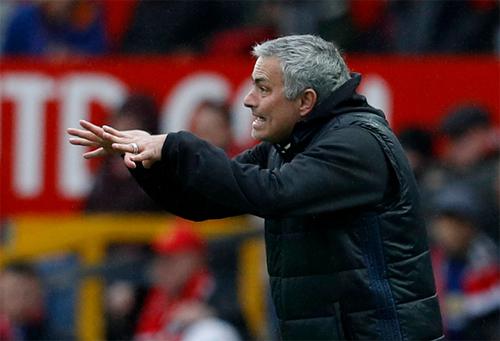 Mourinho ghi dấu mốc mới của sự nghiệp nhờ thắng lợi trước Chelsea