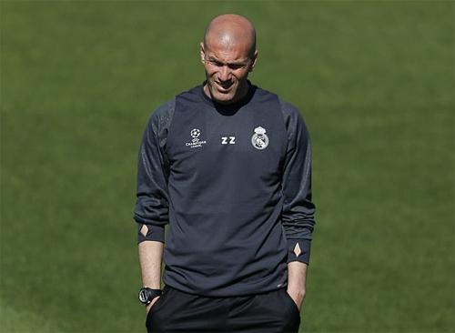Zidane giữ được ghế HLV Real bất kể kết quả mùa giải 2016-2017