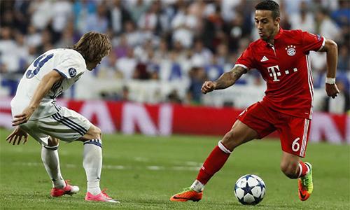 """Thiago: """"Quên trợ lý video đi, Bayern chỉ cần trọng tài có năng lực"""""""