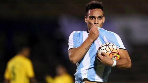 """HLV U20 Argentina vất vả triệu tập """"át chủ bài"""" sang Việt Nam"""