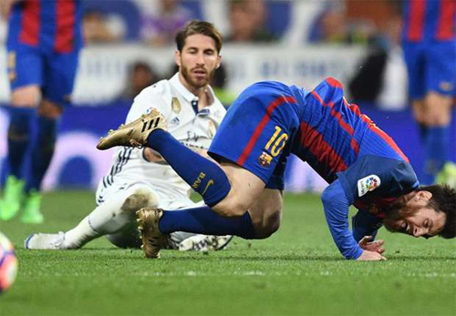 """Capello: """"Ramos đã vào bóng ác ý với Messi"""""""