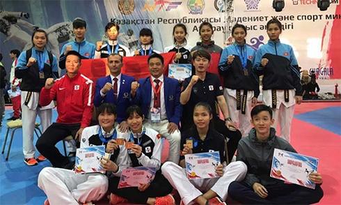viet-nam-doat-nam-hc-vang-giai-taekwondo-kazakhstan-mo-rong