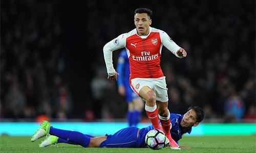 """Henry: """"Ở Arsenal chỉ Sanchez đủ tầm đá cho Tottenham"""""""