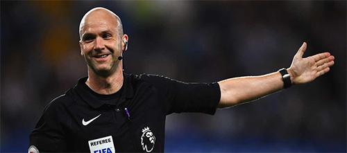 Trọng tài thoả ước mơ vì được bắt chung kết Cup FA