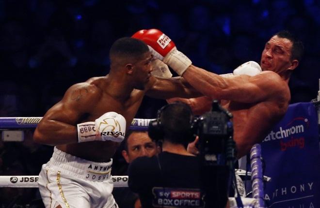 Cú móc giúp Joshua hạ knock-out Klitschko