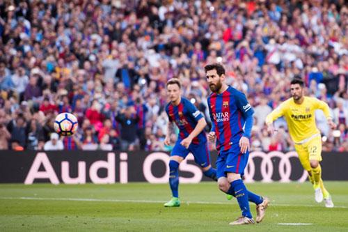 Messi sút kiểu Panenka, Barca giữ vững vị trí số một La Liga