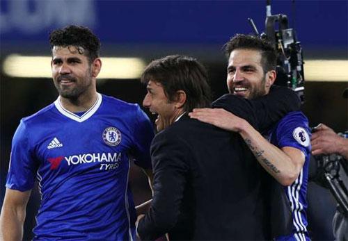 """Conte: """"Chelsea đã tiến một bước lớn tới gần chức vô địch"""""""