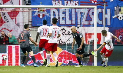Bayern ngược dòng, đánh bại Leipzig trong trận đấu chín bàn