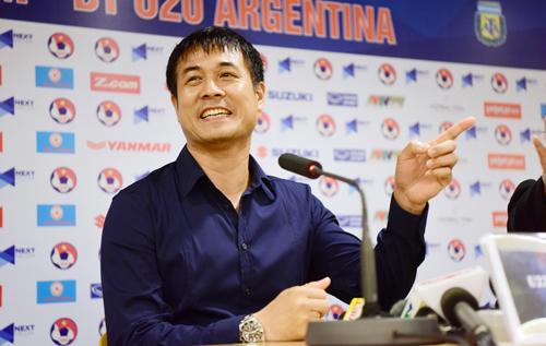 HLV Hữu Thắng thừa nhận U22 Việt Nam đá tồi hơn đàn em U20