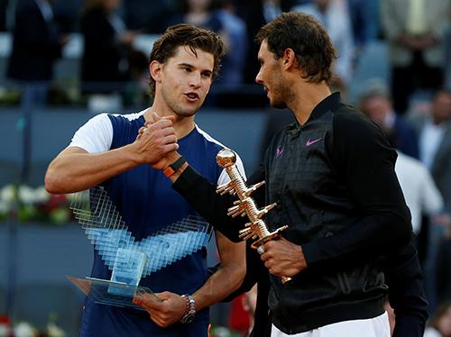 Nadal vô địch Madrid Mở rộng, soán vị trí Federer trong top 4