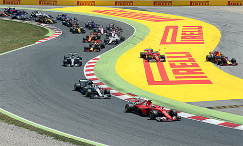Hamilton lật ngược thế cờ, đánh bại Vettel tại Catalunya