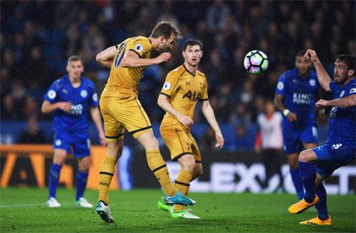 Kane ghi bốn bàn, Totteham thắng Leicester bằng tỷ số quần vợt
