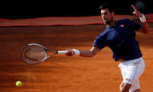 Djokovic vào tứ kết Rome Masters, Wawrinka bị loại